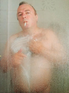 Hitchens in the shower